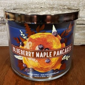 Bath & Body Works Candle  Blueberry Maple Pancakes